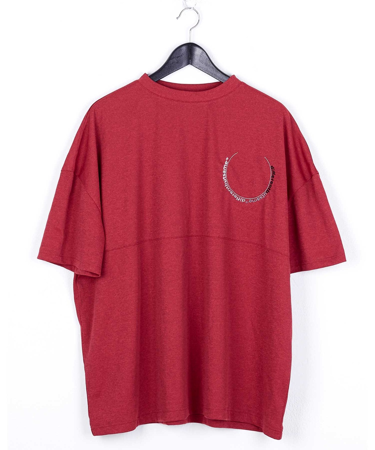 CIRCLE GRADATION EMBROIDERY T SHIRTS RED